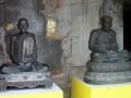 Статуи буддийских монахов