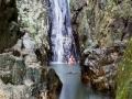 Падающий столб воды (высота 15 метров)