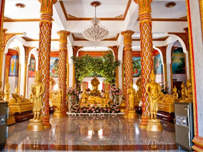 Резултат с изображение за храма Чалонг.